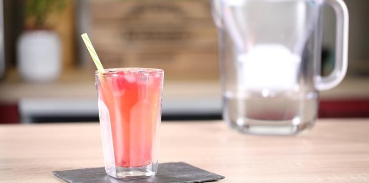 La recette du thé vert glacé à la framboise et pointe de lime à l'eau filtrée