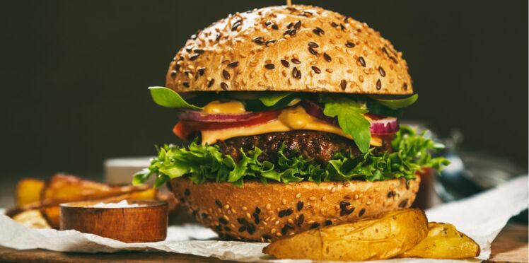 Le burger talonne le jambon-beurre