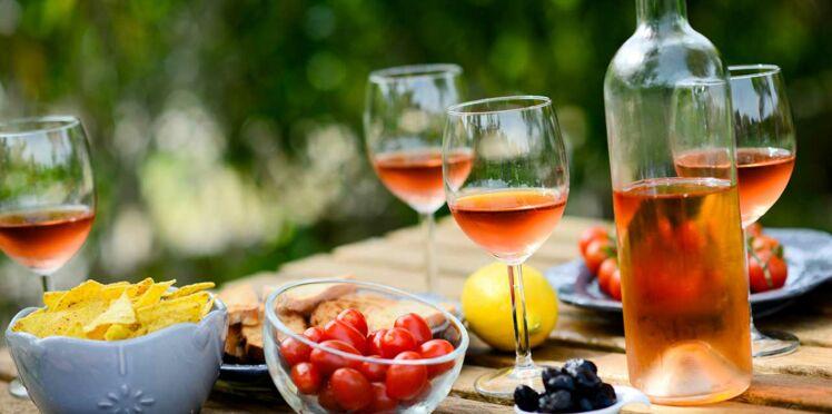 3 astuces pour rafraîchir le vin rosé encore plus vite !