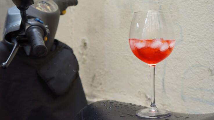 Un spritz, comme en Italie : la recette du cocktail en vidéo