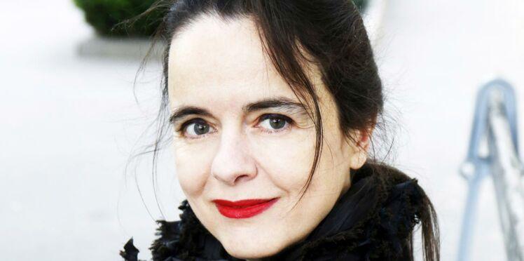 """Amélie Nothomb: """"Mon lave-vaisselle me sert d'armoire"""""""