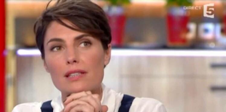 """Alessandra Sublet très émue par son mari dans """"C à vous"""""""
