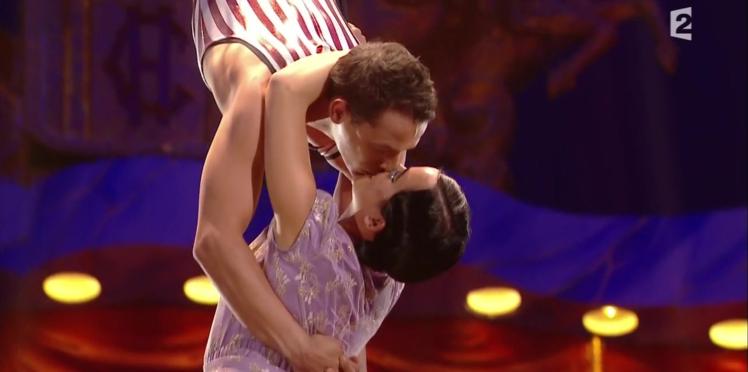 Vidéo - Quand Alizée et Grégoire Lyonnet échangent un loooong baiser à la télé...
