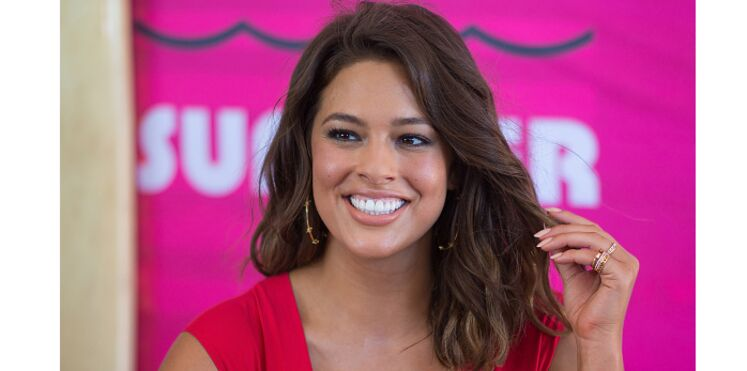 Les superbes photos de la top grande taille Ashley Graham qui pose topless
