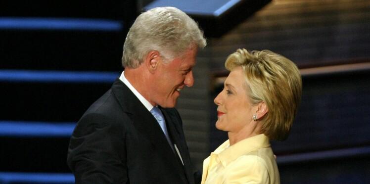 Bill Clinton, accusé d'une centaine de viols