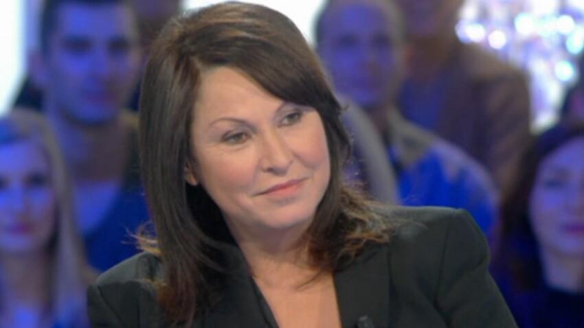 """Evelyne Thomas sur """"C'est mon choix"""" : """"Une femme amoureuse fait des bêtises"""""""