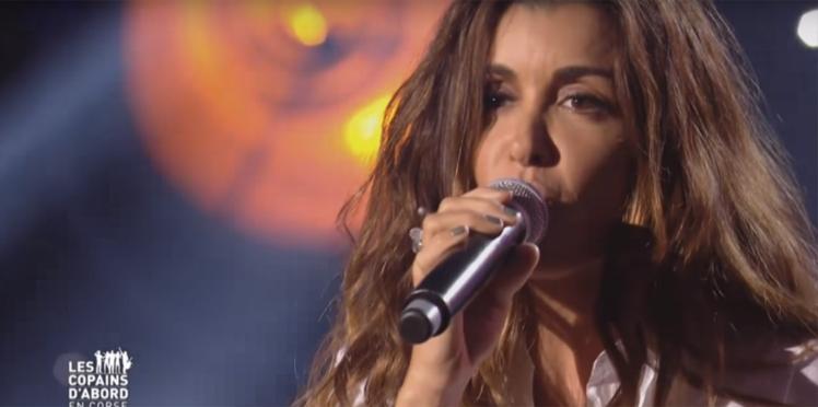 VIDEO - Jenifer chante en très petite tenue