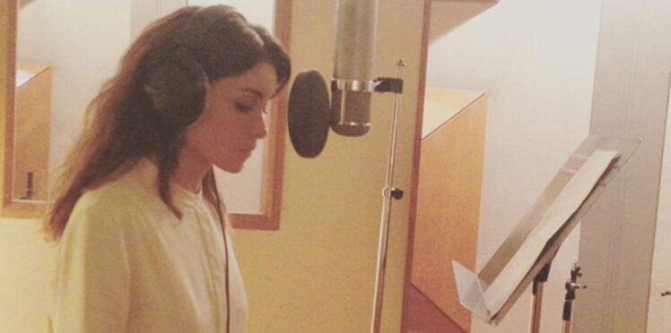 Photo : Jenifer, sexy sur la pochette de son nouveau single