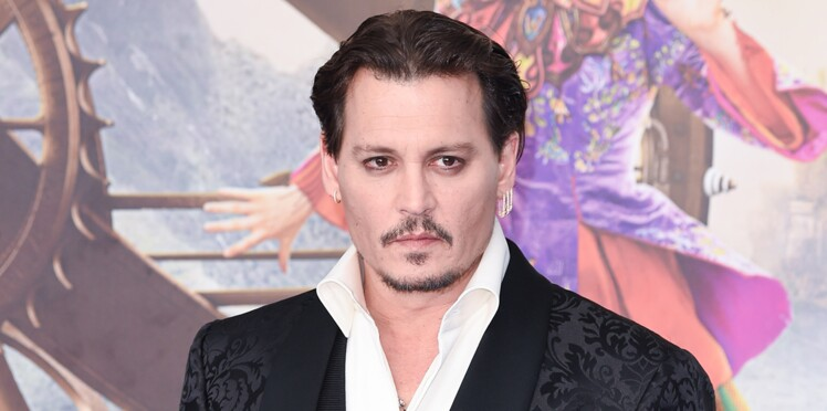 Johnny Depp insulte son ex Amber Heard avec un nouveau tatouage