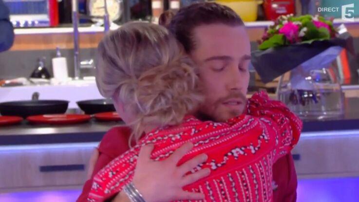 Julien Doré offre un slow à Anne-Sophie Lapix pour la consoler