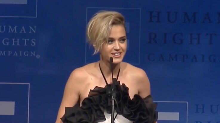 """""""J'ai embrassé une fille et bien plus encore"""" : les révélations de Katy Perry"""