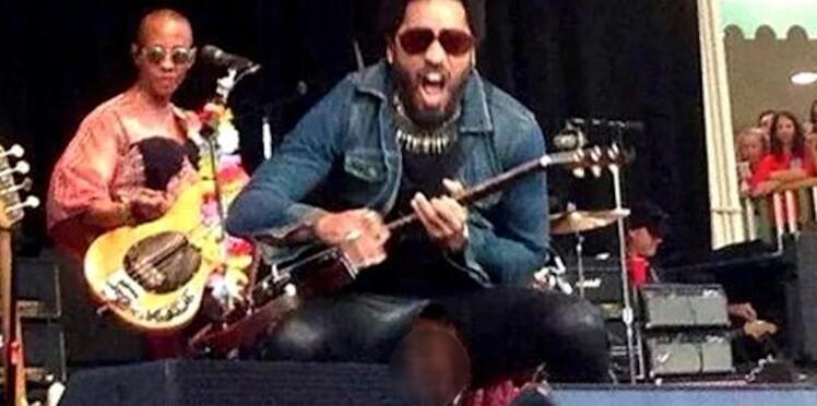 #penisgate : Lenny Kravitz craque son pantalon en plein concert !