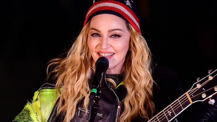 """VIDÉO - Madonna, """"atroce"""" d'après Christophe Dechavanne"""