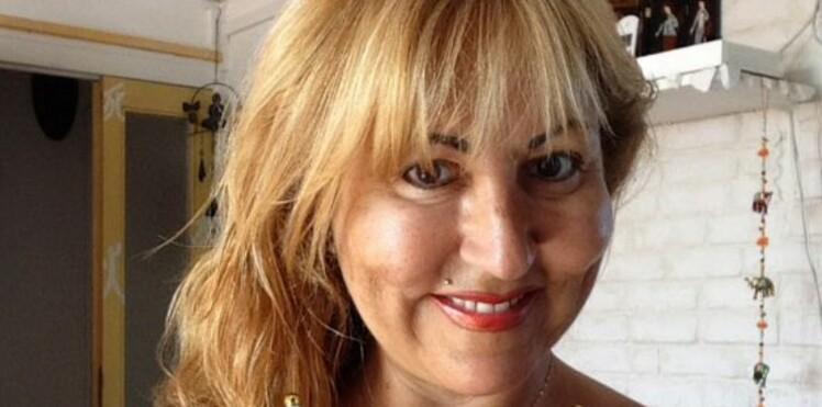 """Photos : Marie-Paule de """"L'Amour est dans le pré"""" topless pour soutenir les Bleus!"""