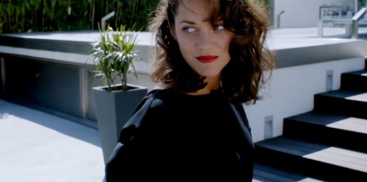 Marion Cotillard chante et danse pour Dior