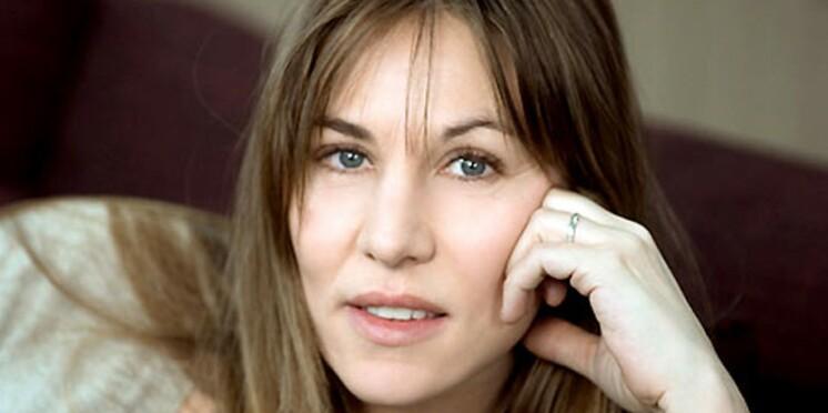 Mathilde Seigner en commissaire sous l'oeil d'Yves Rénier
