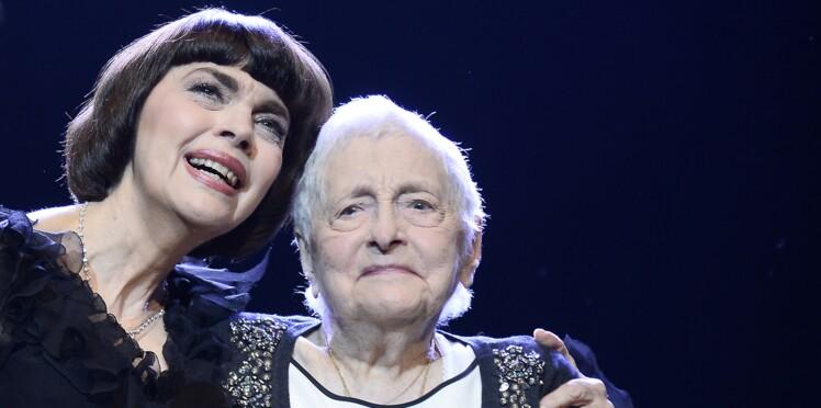 Mireille Mathieu abattue : sa mère vient de mourir