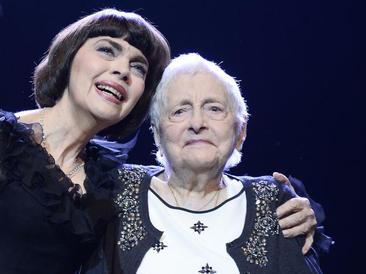 Mireille Mathieu Abattue Sa Mère Vient De Mourir Femme Actuelle
