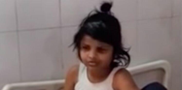 """La triste histoire de """"Mowgli Girl"""", la fillette retrouvée parmi les singes"""