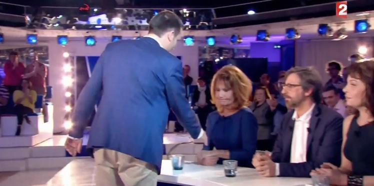 ONPC : Clémentine Célarié refuse de serrer la main de Florian Philippot