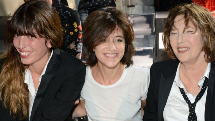Photo : Charlotte Gainsbourg montre (malencontreusement) ses dessous