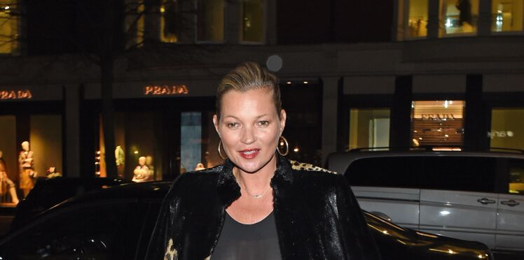 Photo : Kate Moss, nue sous sa robe transparente