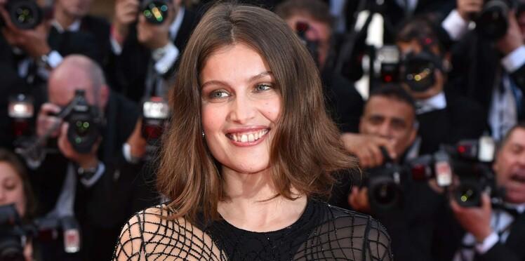 (Photos) Laetitia Casta : plus de trous que de robe pour sa montée des marches...