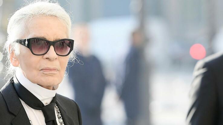 Homme amoureux retire ses lunettes [PUNIQRANDLINE-(au-dating-names.txt) 38