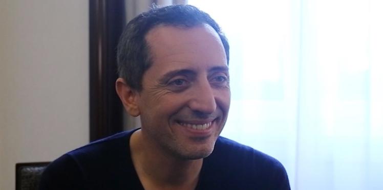 VIDEO - Gad Elmaleh découvre l'émission Mariés au premier regard