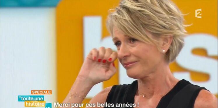 """Vidéo: En larmes, Sophie Davant remercie son public pour la dernière de """"Toute une histoire"""""""