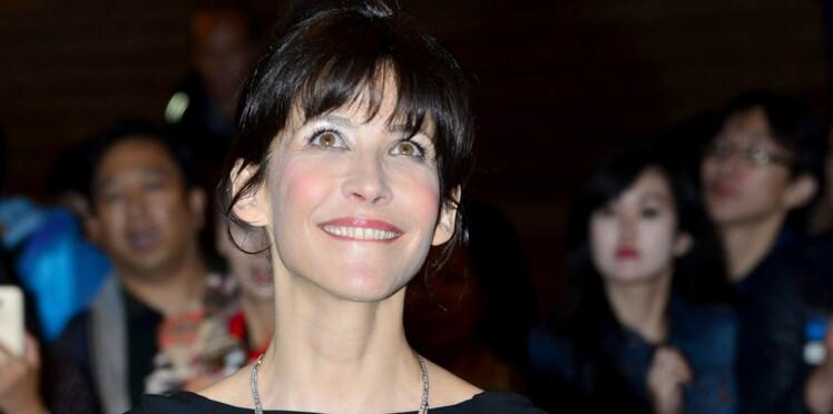Photo : Sophie Marceau dévoile (sans faire exprès ?...) son soutien-gorge