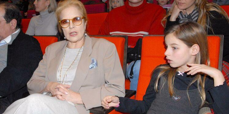 """Sylvie Vartan au sujet de sa mère : """"J'ai envie de lui dire tous les jours : 'Je t'aime'"""""""