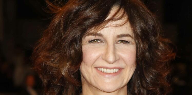 """Valérie Lemercier accro aux réseaux sociaux : """"Je pourrais y passer ma vie"""""""
