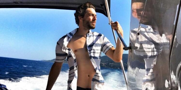 Vidéo: Agustin Galiana (Clem) joue les Apollon en Grèce