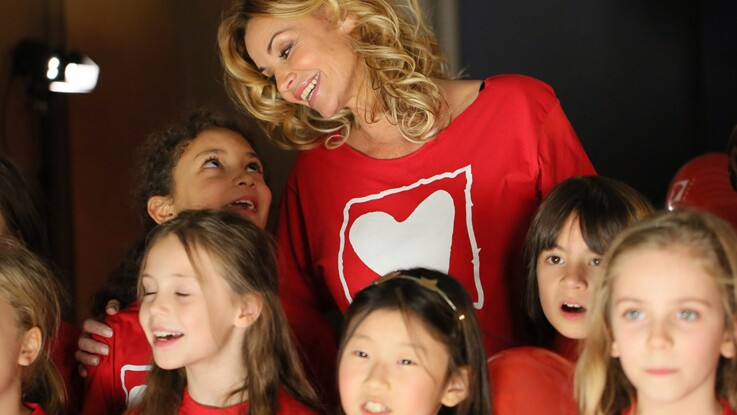 Vidéo : Ingrid Chauvin chante pour la bonne cause avec Anaïs Delva (La Reine des neiges)