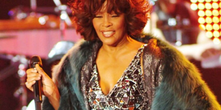 Whitney Houston annule son concert à Paris