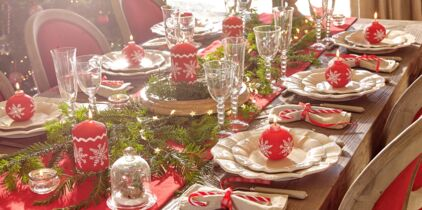Deco table noel rouge blanc et or
