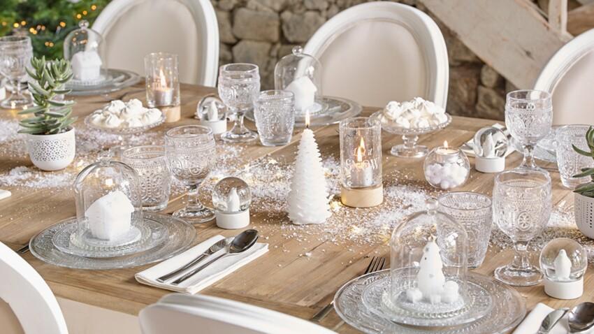 Craquez pour une déco de table tout en blanc pour Noël