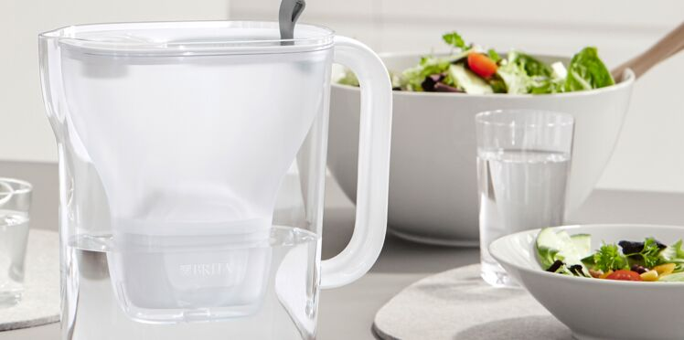 Fini les bouteilles plastiques : j'adopte la carafe qui filtre l'eau !