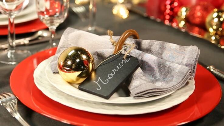 Vidéo de Noël : La serviette marque-place