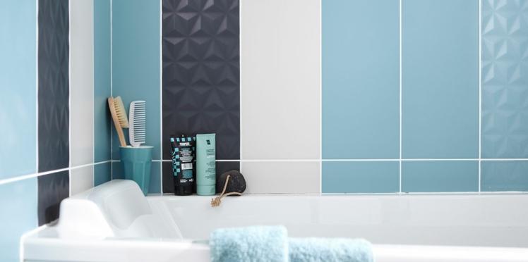 Carrelage de salle de bains, crédence de cuisine : comment les recouvrir ?
