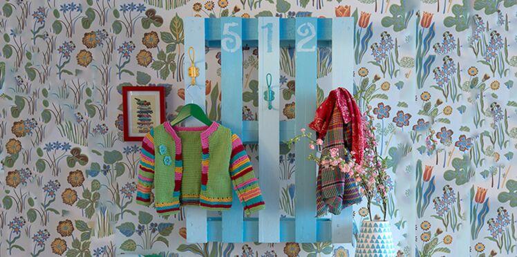 DIY : un porte-manteau tendance en palettes