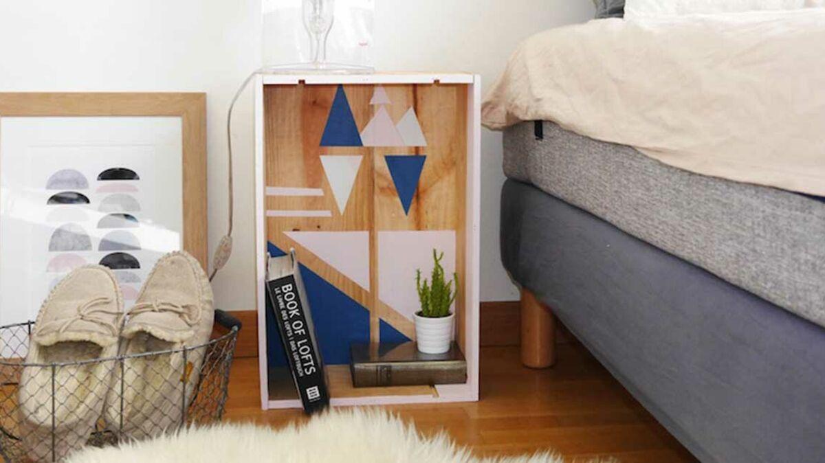 Rondin De Bois Table De Chevet diy : réalisez une table de chevet graphique avec une caisse