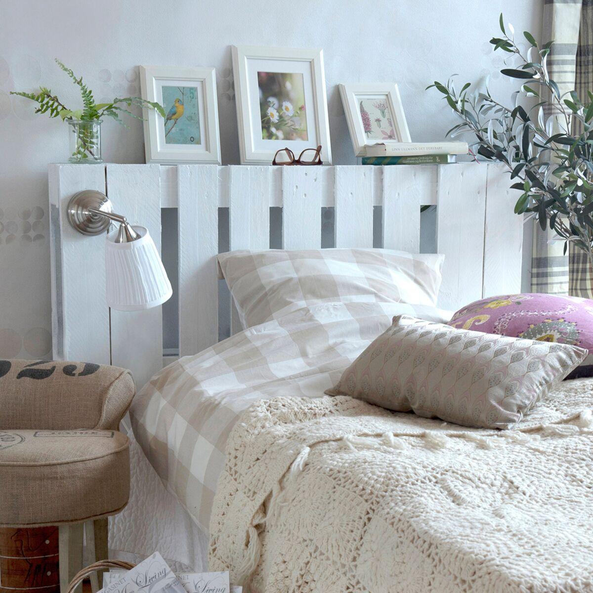 Porte En Tete De Lit diy : une tête de lit lumineuse en palettes : femme actuelle