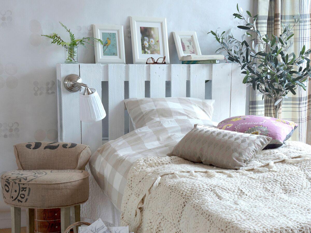 Modele De Lit En Palette diy : une tête de lit lumineuse en palettes : femme actuelle