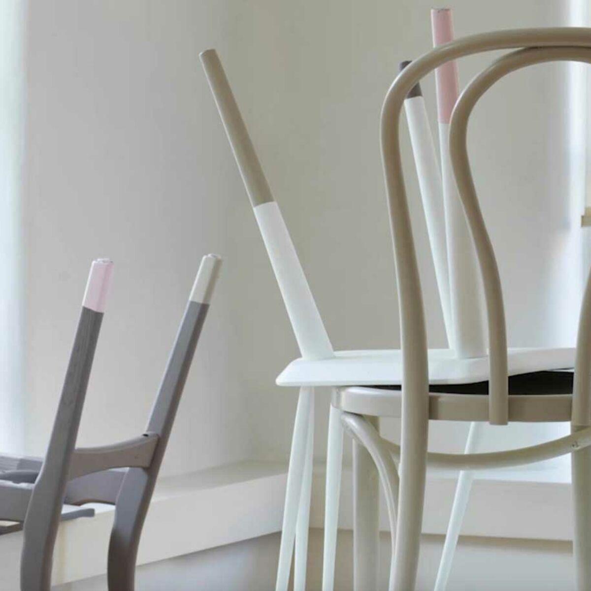 Relooker Une Chaise Haute En Bois relooking peinture : customiser des chaises en bois : femme