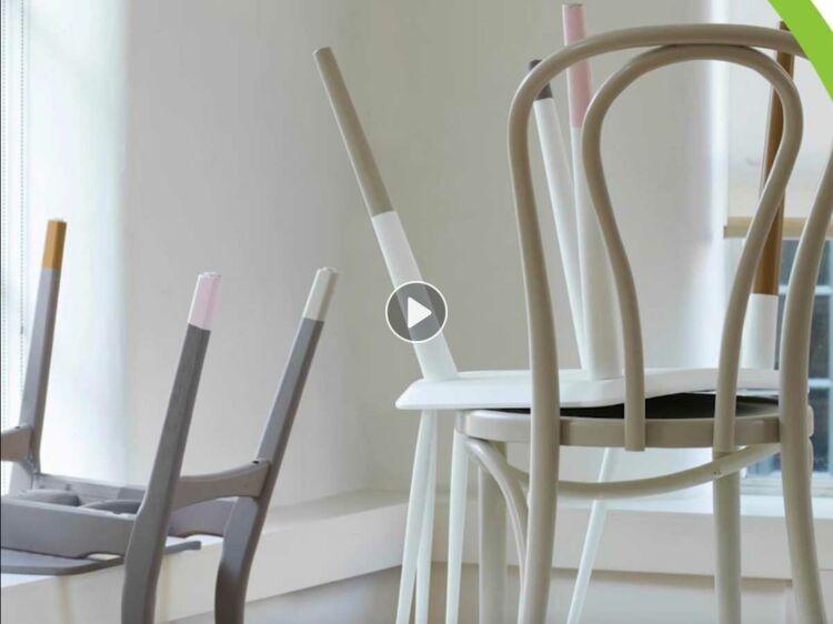 relooking peinture customiser des chaises en bois femme actuelle le mag - Des Chaises