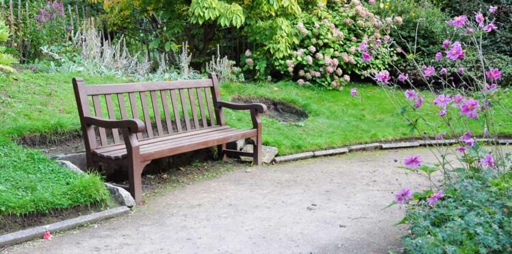 Banc de jardin, comment le choisir ? Nos conseils et nos coups de coeur