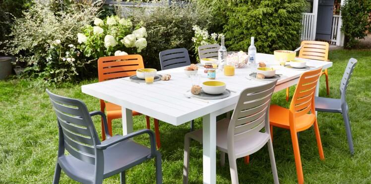 Chaise de jardin en plastique, bois ou métal : le match ! : Femme ...