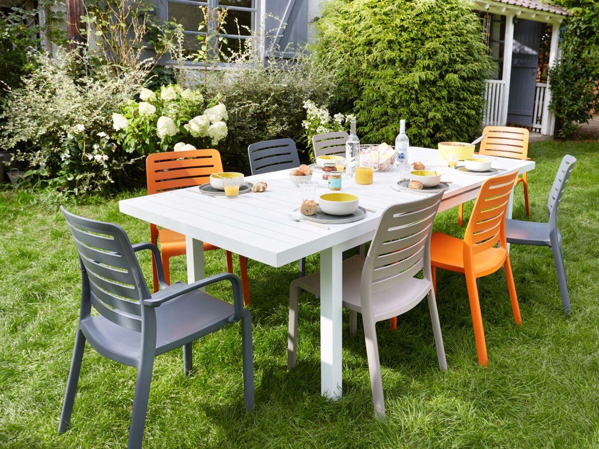 Table Bois Metal Exterieur chaise de jardin en plastique, bois ou métal : le match